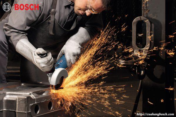 Tiến trình làm việc được đẩy nhanh khi có sự trợ giúp của máy mài góc Bosch chính hãng