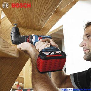Khoan bắt vit linh hoạt với các đầu phụ kiện đa năng của Bosch GSR 18v-60 FC trong thực tế