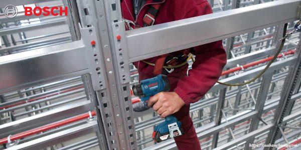 Máy siết ốc vít Bosch GDX 180 LI nhỏ nhẹ hỗ trợ tốt các công việc tầm cao