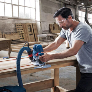 Bosch GOF 130 Professional tích hợp công thiết bị kết hợp máy hút bụi hiệu quả